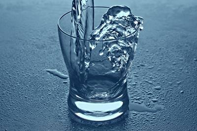 Analisi delle acque  Analizziamo l'acqua potabile, acque reflue, di piscina e di pozzo  Chiama ...